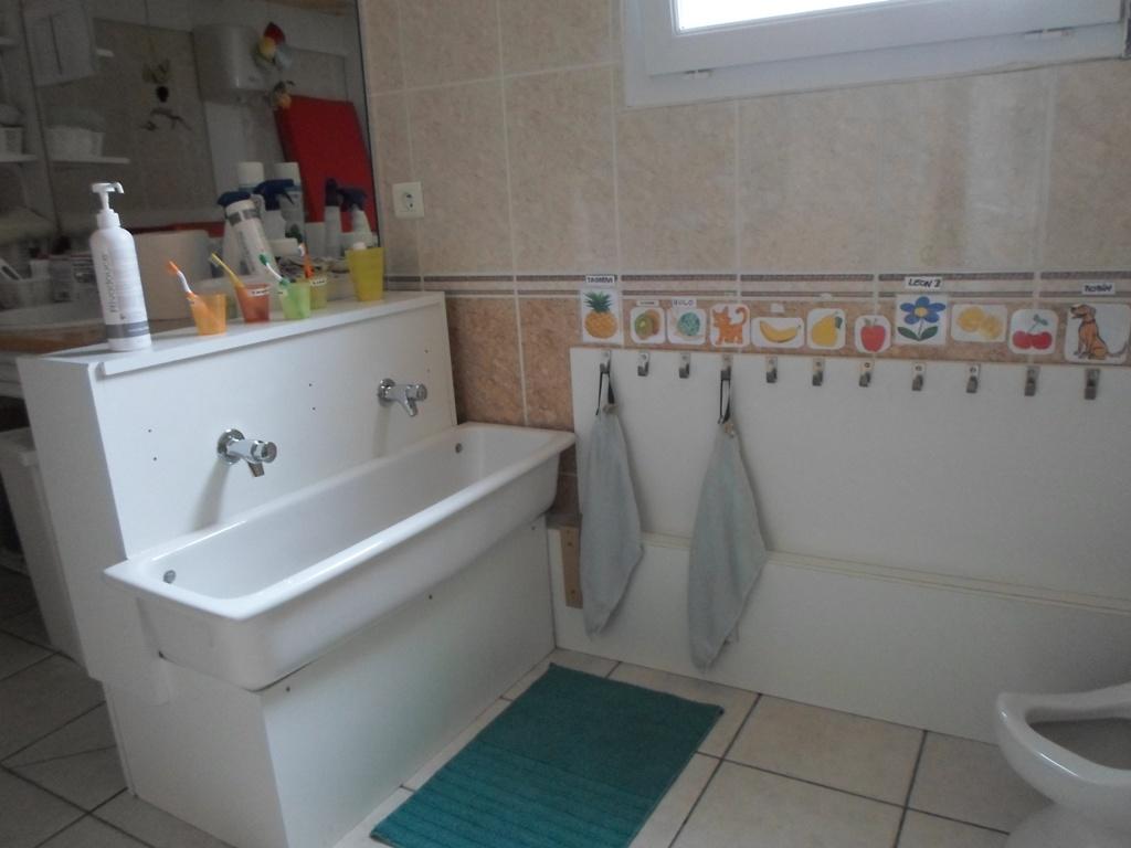 Un lavabo adapté aux enfants